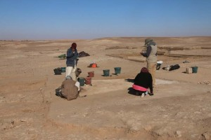Work in the surroundings of tomb 26.